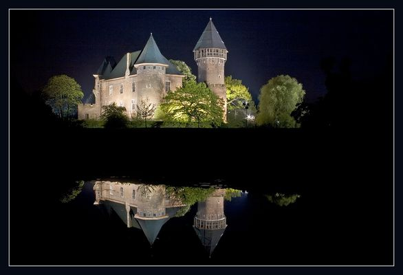 Burg Linn bei Nacht.