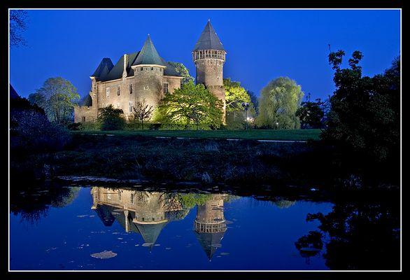 Burg Linn zur blauen Stunde