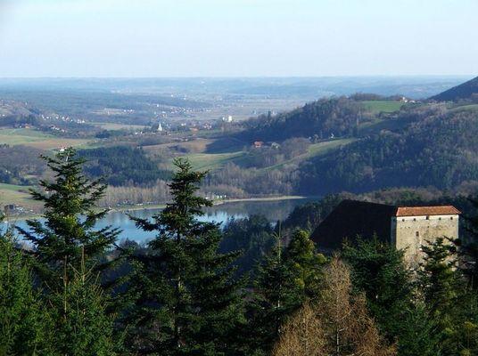 Burg Neuhaus Stubenbergsee