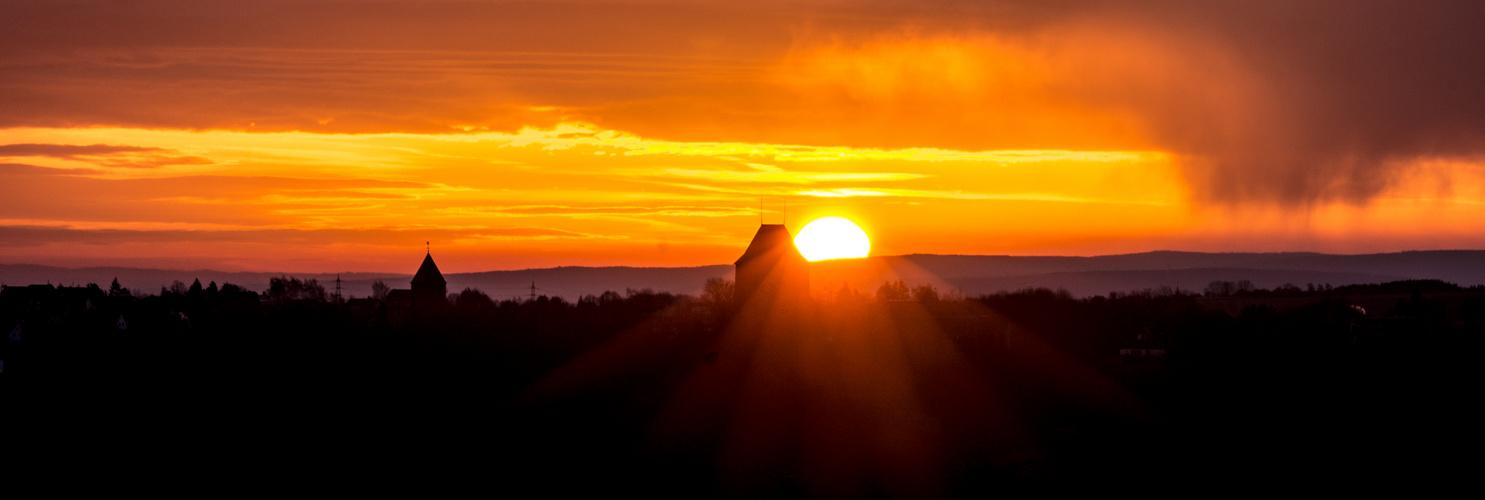 Burg Nideggen im Morgenlicht