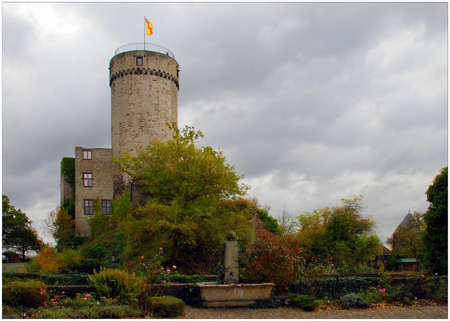 Burg Pyrmont ...