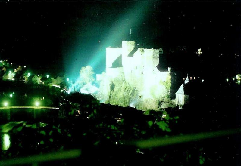 Burg Runkel nachts (2)