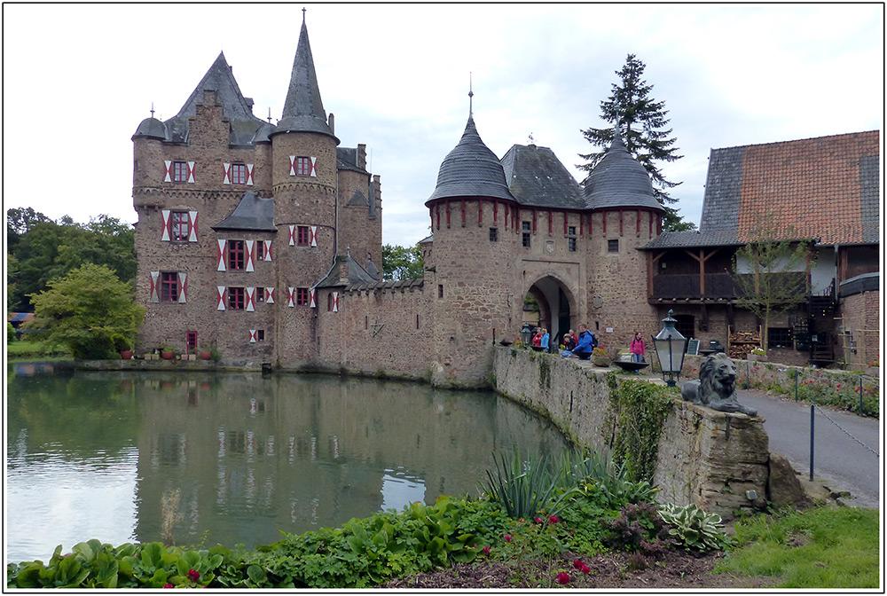 Burg Satzvey -
