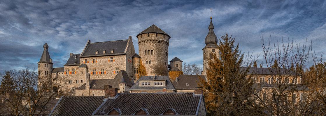 Burg Stolberg mit der Kirche St.Lucia