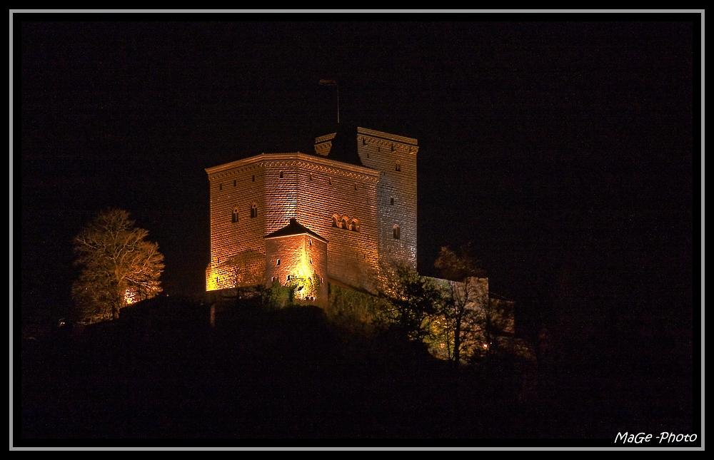 Burg Trifels bei Nacht