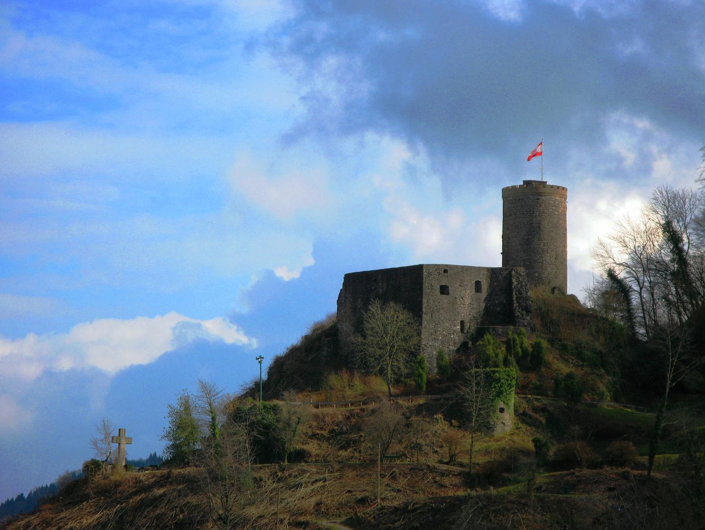 Burg über Hausach - Schwarzwald - 77756