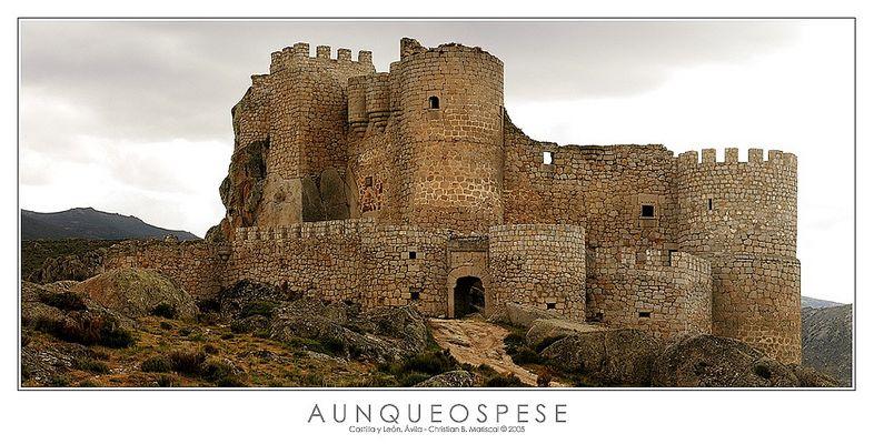 Burg von Aunqueospese (Castilla y León, Spanien)