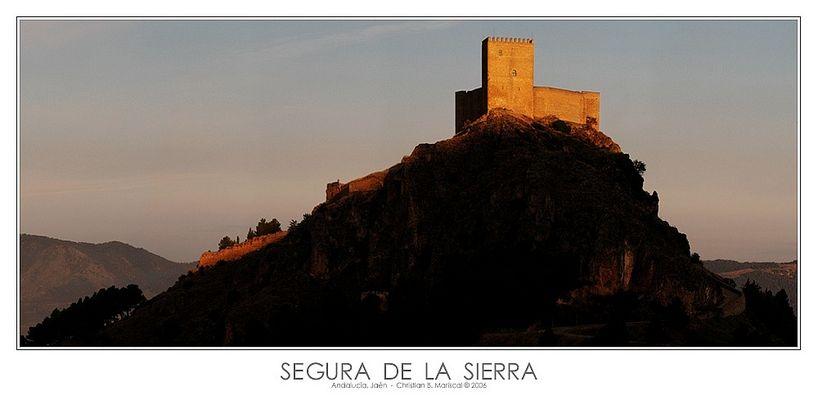 Burg von Segura de la Sierra (Andalucía, Spanien)