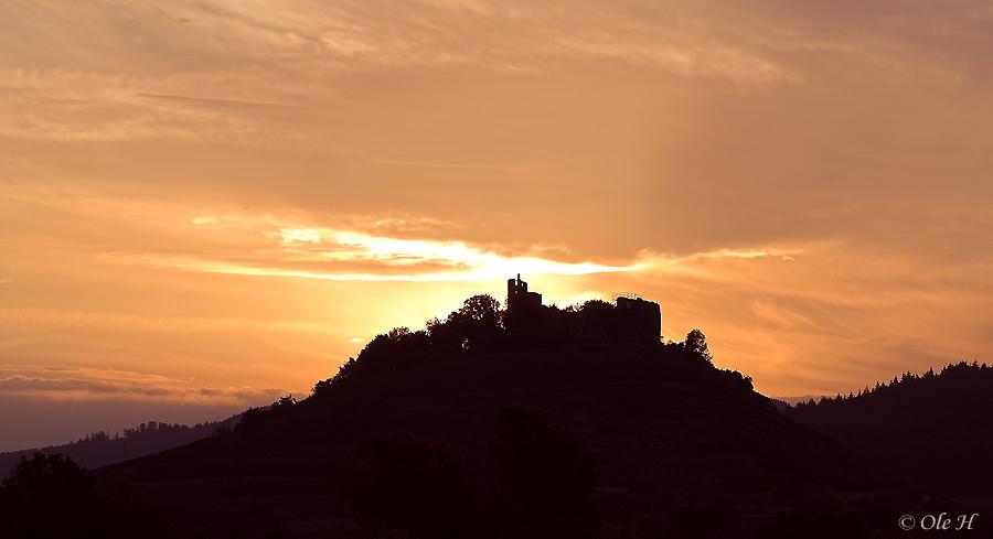...Burg zu Staufen im Morgenrot...