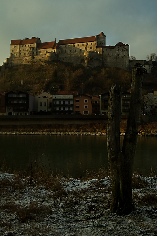 Burghauser Hauptburg im Hintergrund