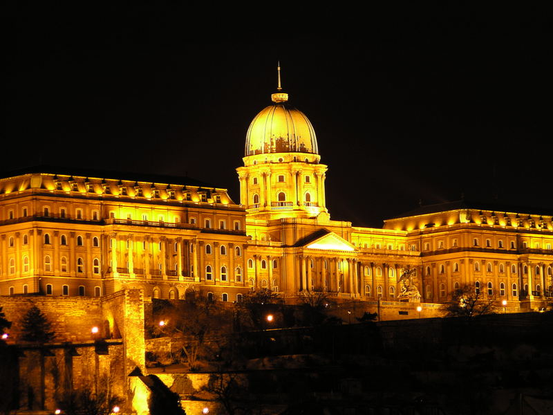 Burgpalast bei Nacht