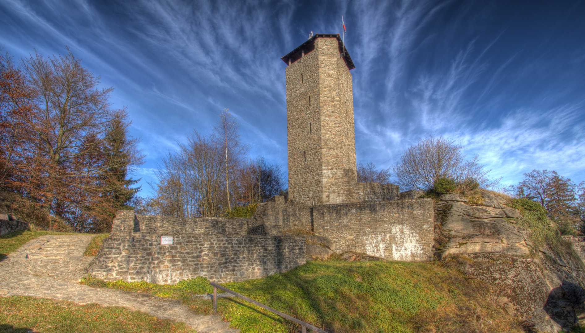 Burgruine Altnußberg HDR (2)
