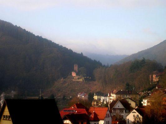 Burgruine im Neckartal