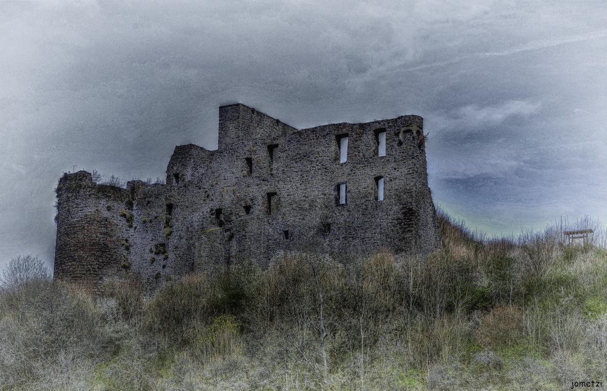 Burgruine in der Eifel