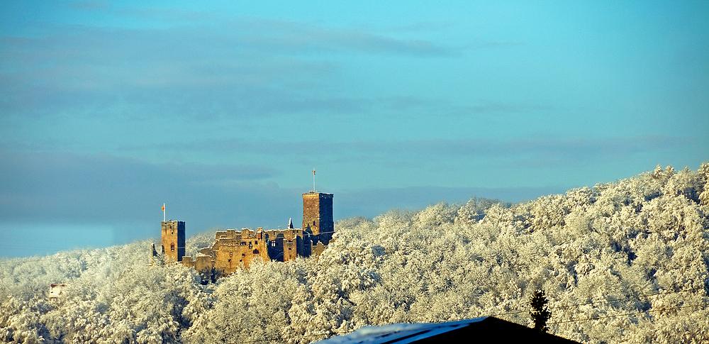 Burgruine Rötteln bei Lörrach nach d. 1. Schneefall 2010