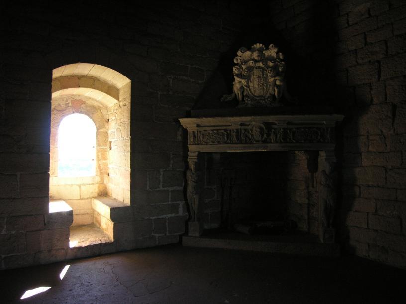 Burgzimmer mit Kamin