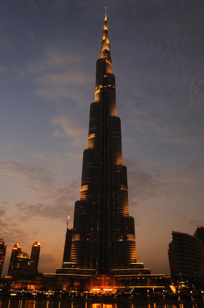 Burj Khalifa/ Dubai -bei Nacht-