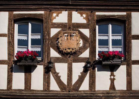 Burkheimer Fachwerk mit Fenster (Kaiserstuhl)