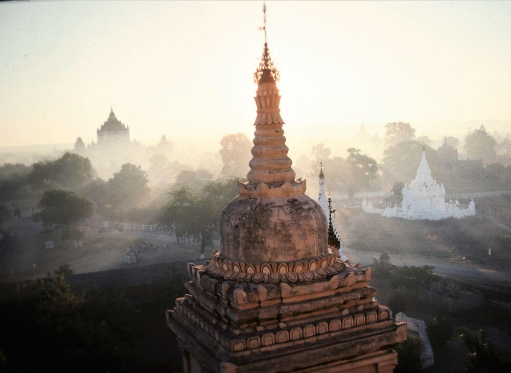 Burma Pagan Pagoge sunrise P-98
