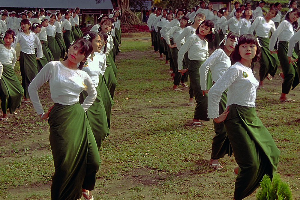 Burmesian cheerleaders performe for the Asian Championship