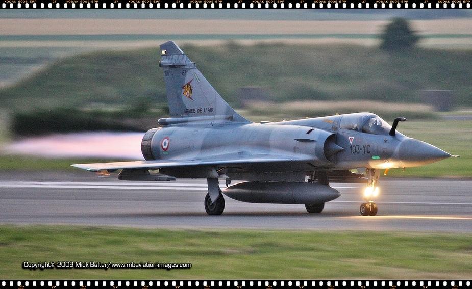 *** Burn baby burn - Mirage 2000C EC 01/012 beim Nachtflug ***