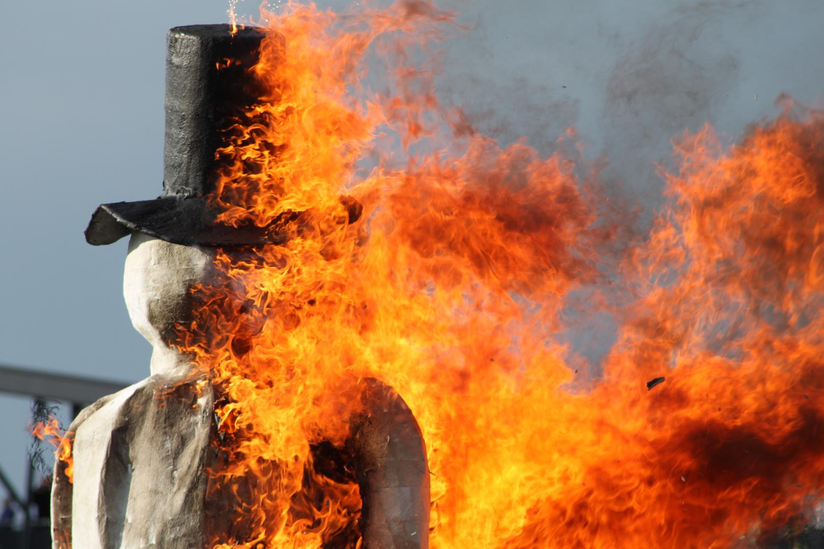 Burn Snowman burn