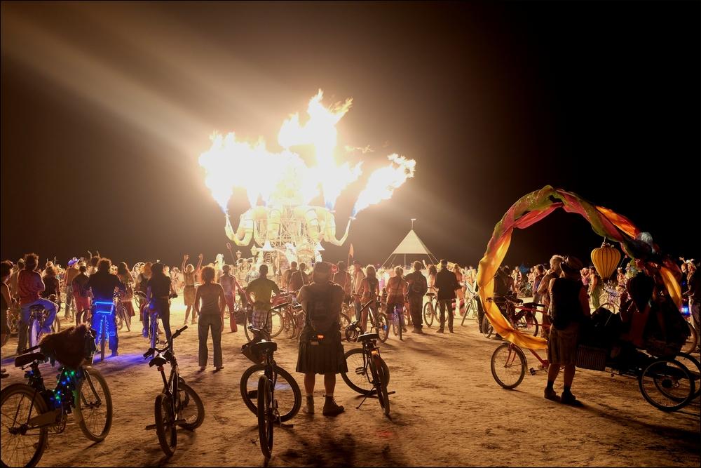 Burning Man - Feuerkrake