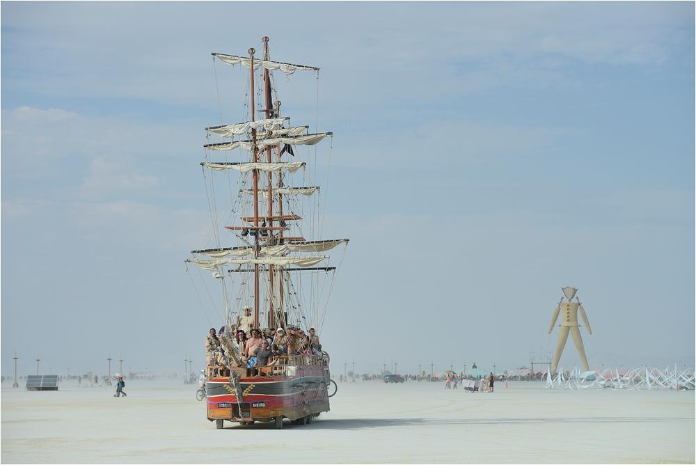 Burning Man - Wüstenschiff