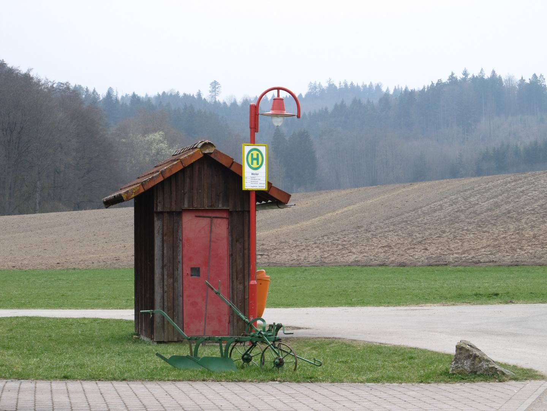 Bus Haltestelle mit Wendeplatte