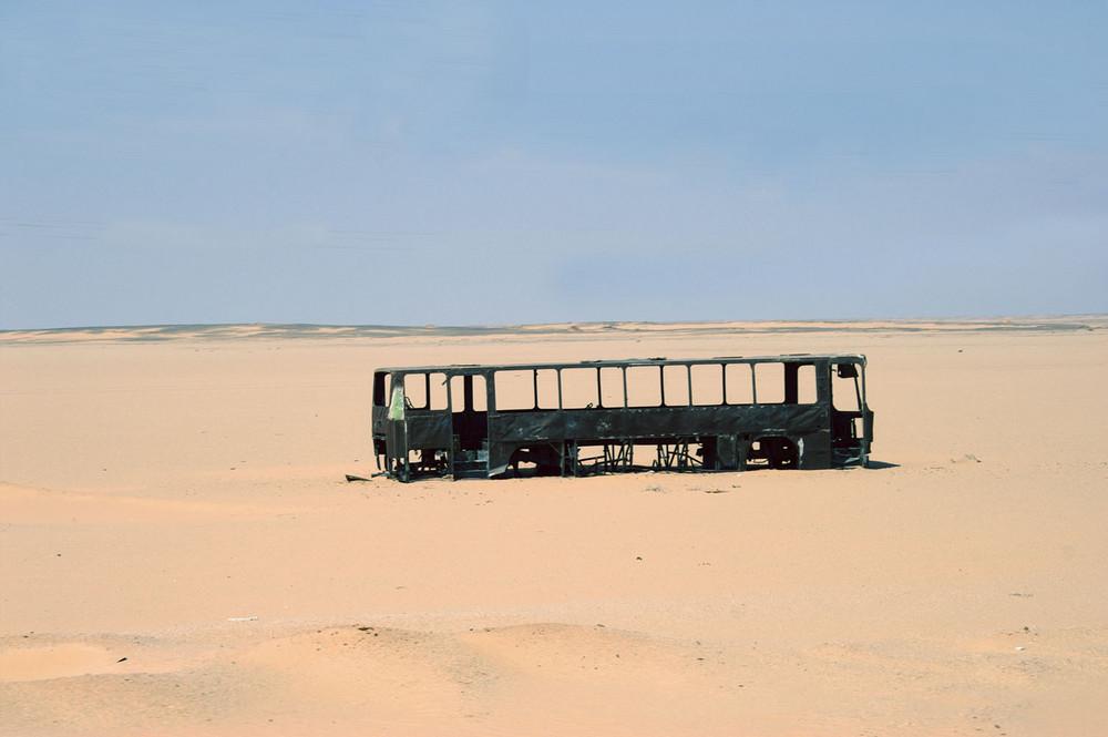 Bus in der Wüste