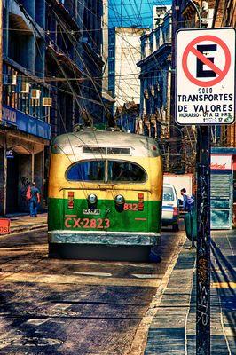 Bus in Valparaiso