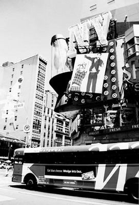 bus on times square