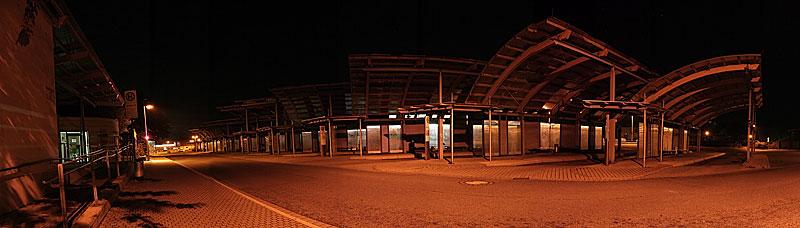 Busbahnhof Wernigerode in der Nacht