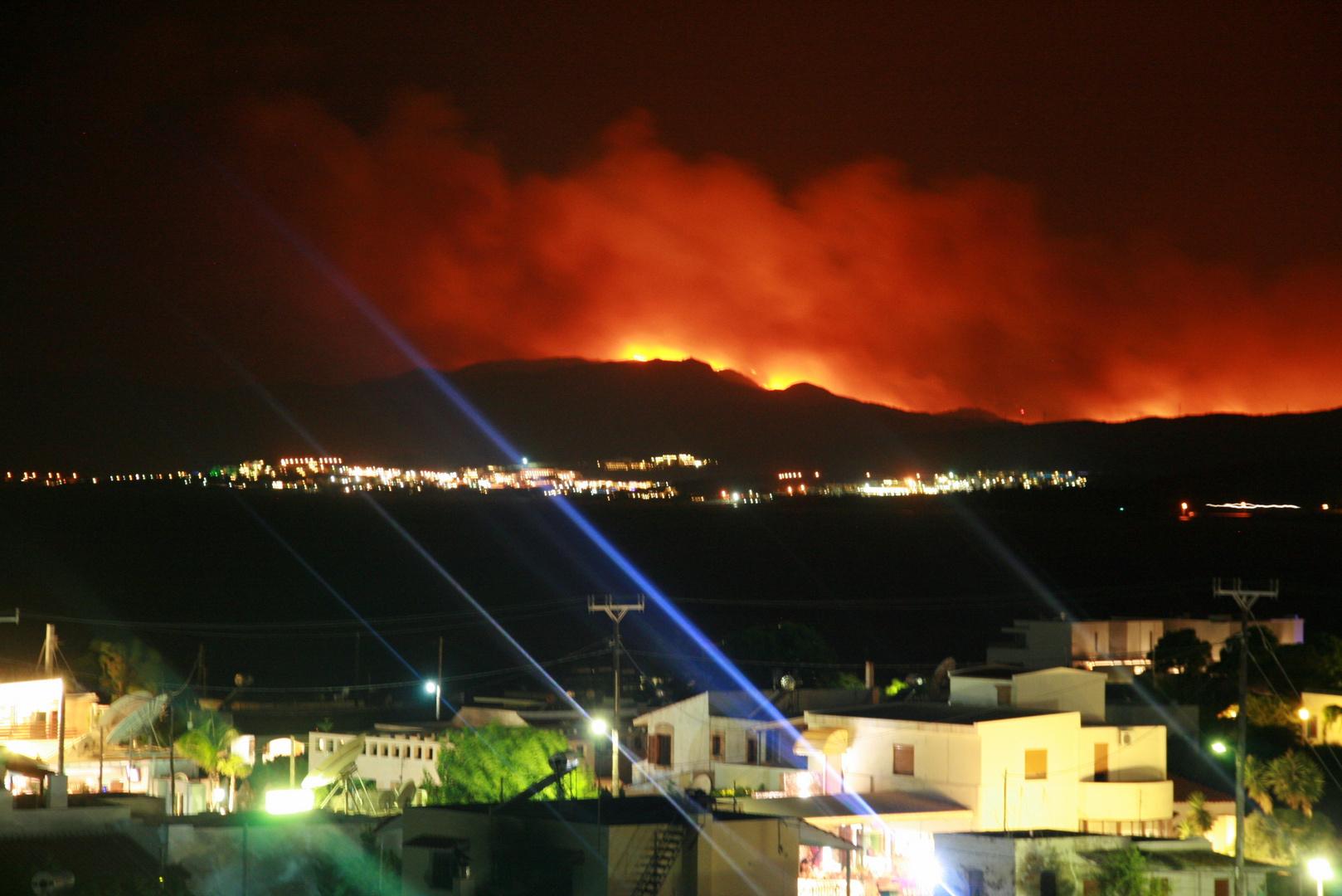 Buschfeuer über Kiotari, Rhodes