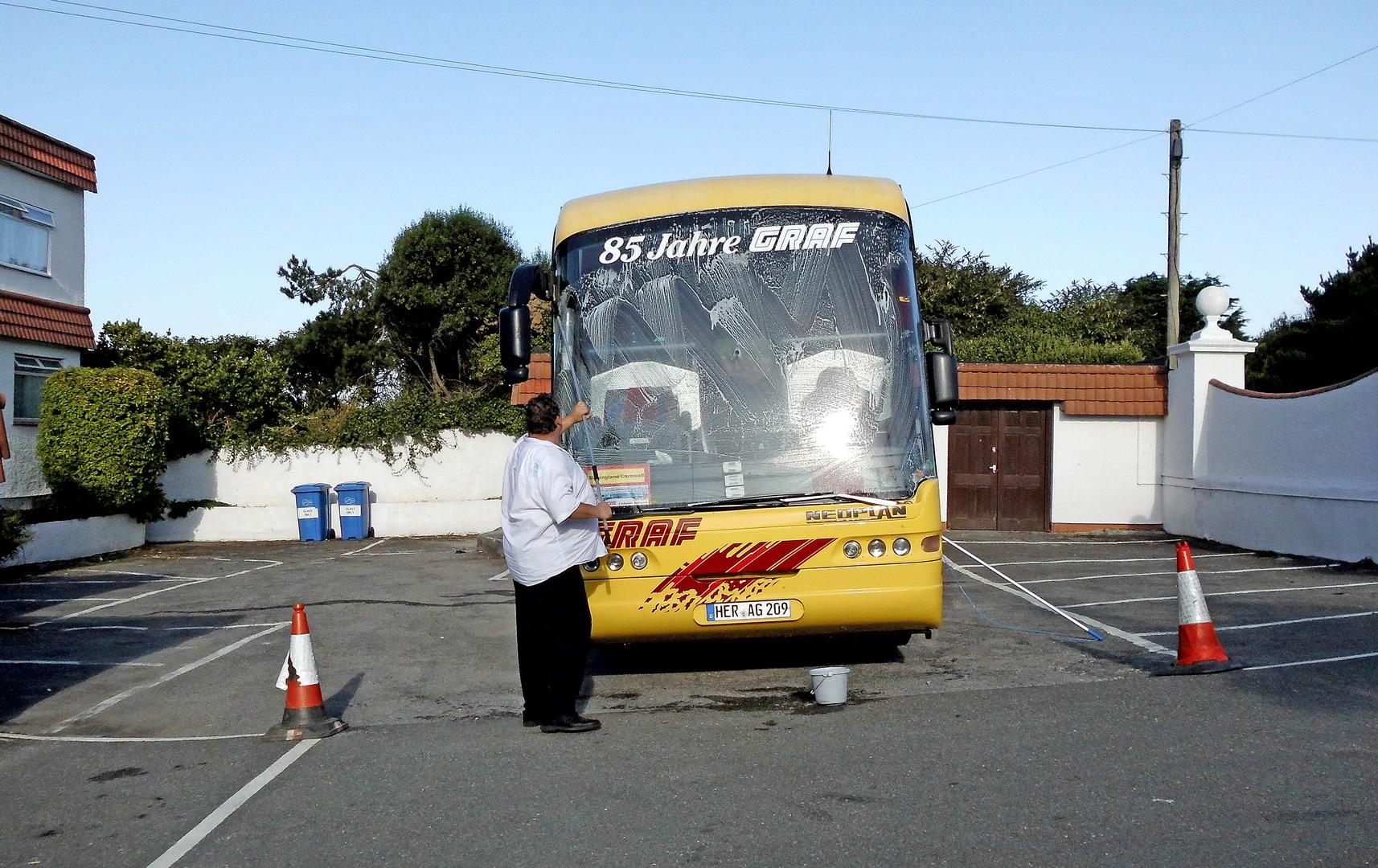 Busfahrer Manni =