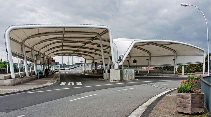 Bushaltestelle am Brückenkopf in Mainz-Kastel
