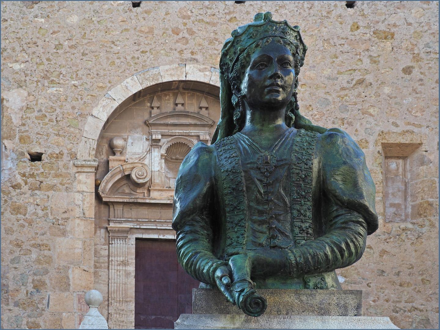 Buste de Maria Lopez de Luna, reine consort d'Aragon,
