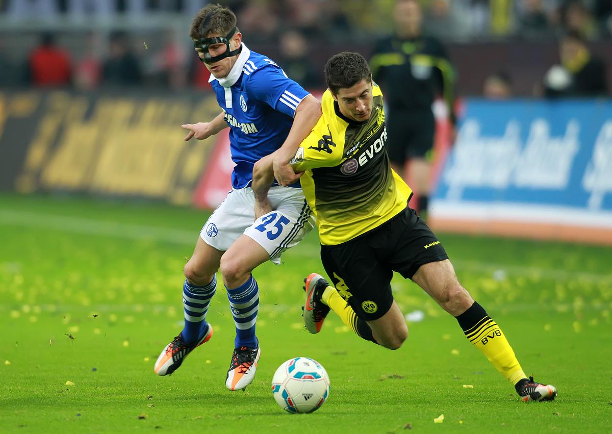 BVB - Schalke 04 - Zweikampf