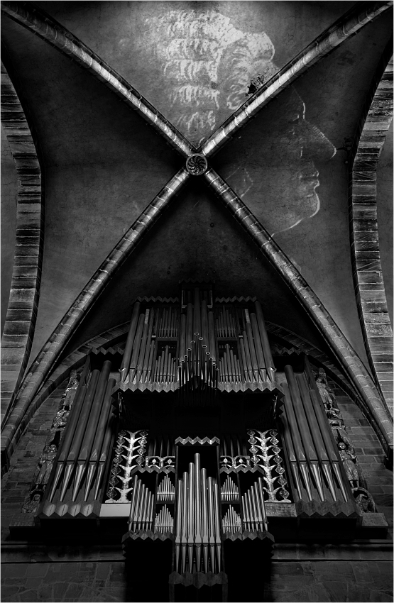 BWV 565 .....