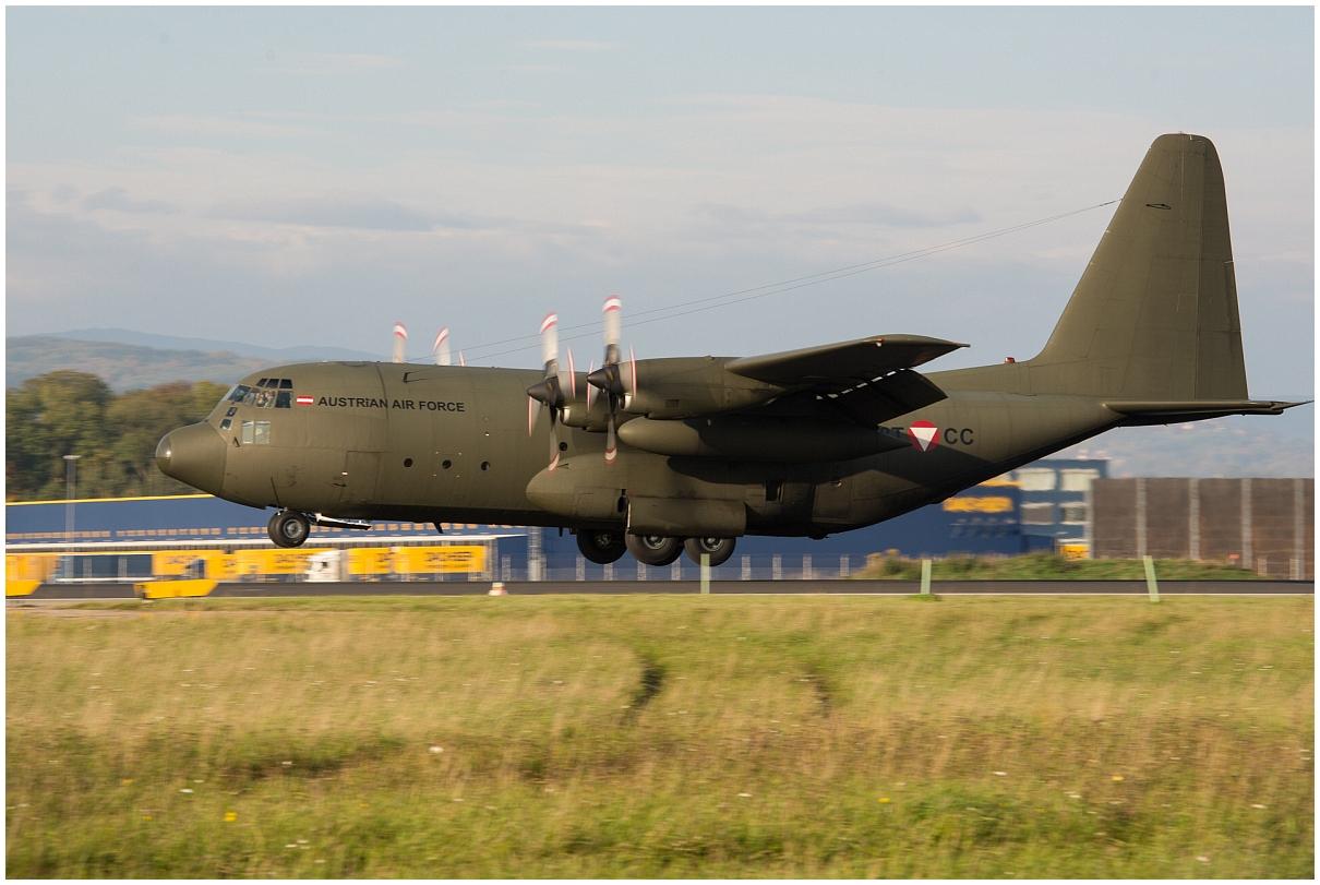 C 130 im Endanflug