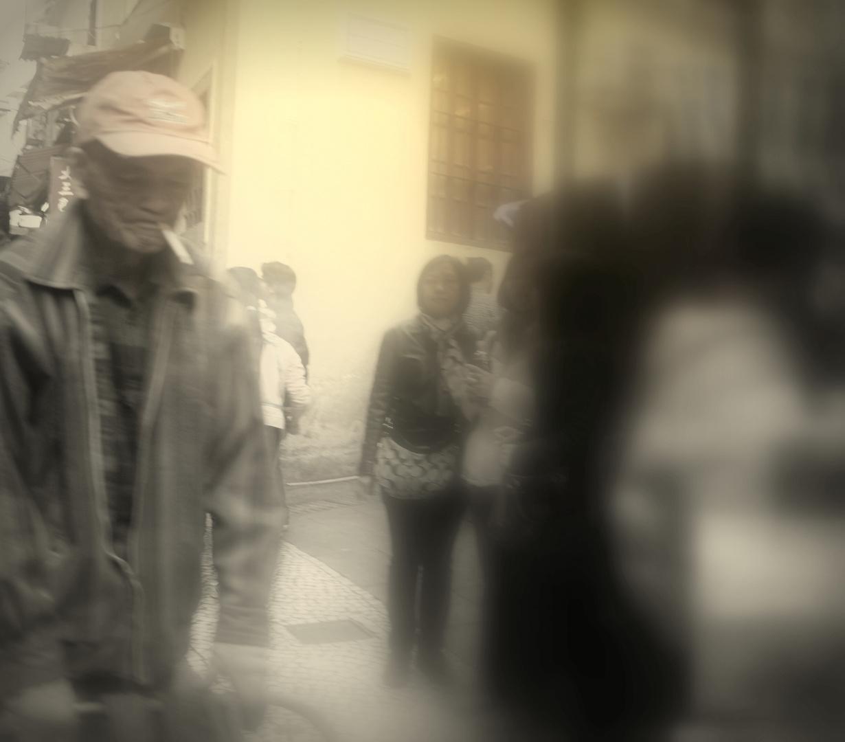 Caballero andando Macao