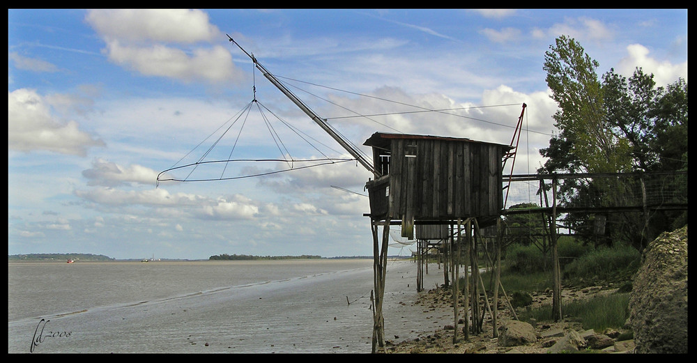 Cabane de pêcheur sur les bords de Gironde.
