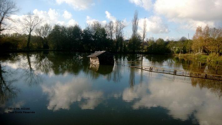 Cabane sur l'étang