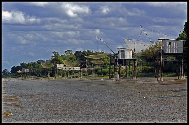 Cabanes de pêcheurs sur l'estuaire de la Gironde
