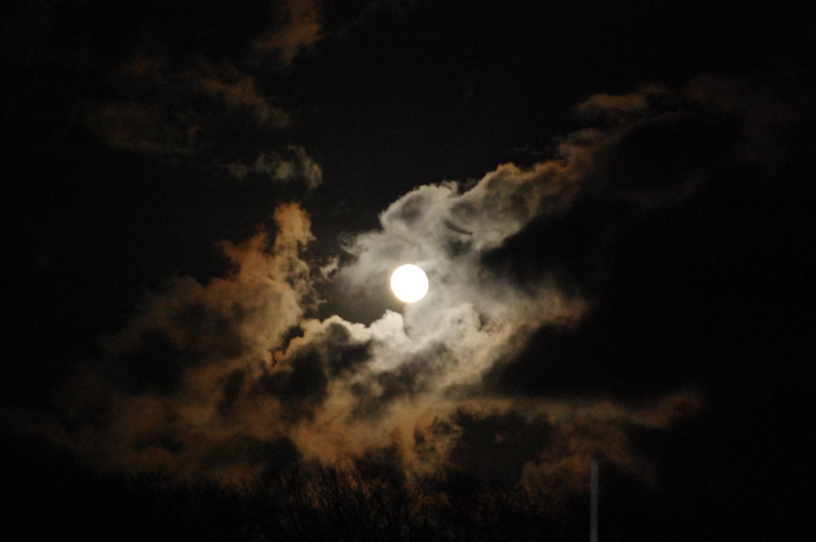 Cache-cache avec les nuages