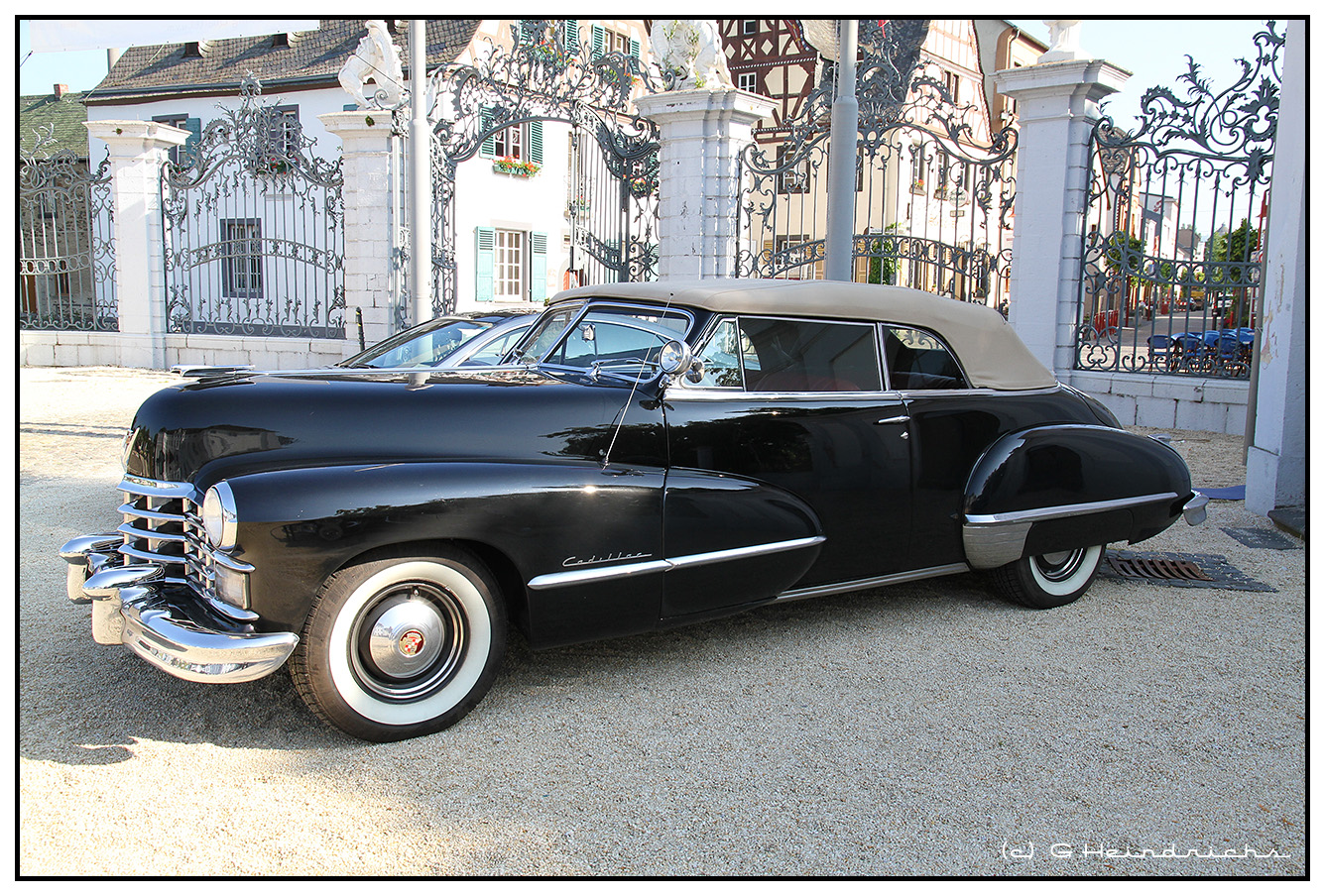 Cadillac Series 61 Sedanette Coupe - 1949