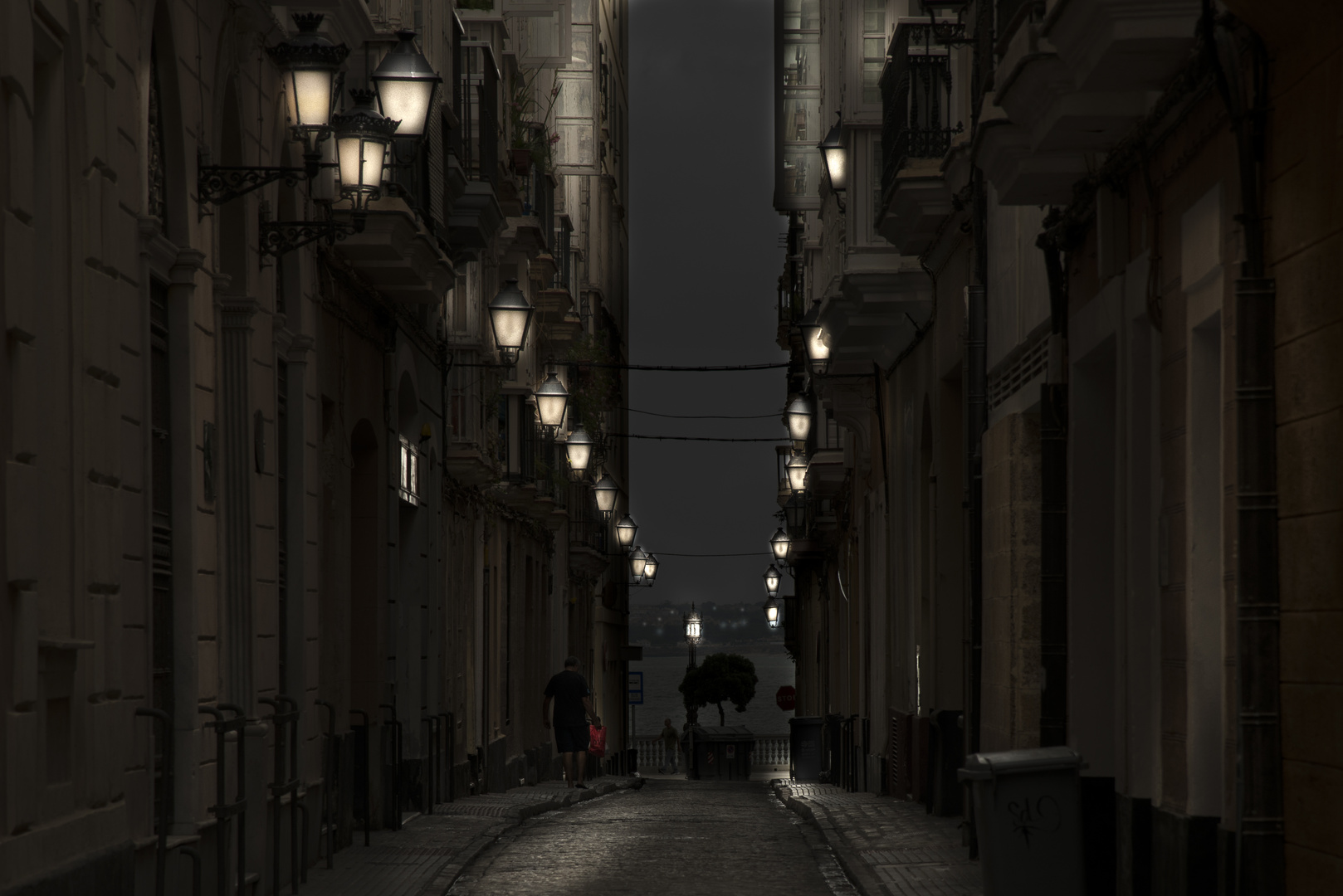 Cadiz durante la noche 2