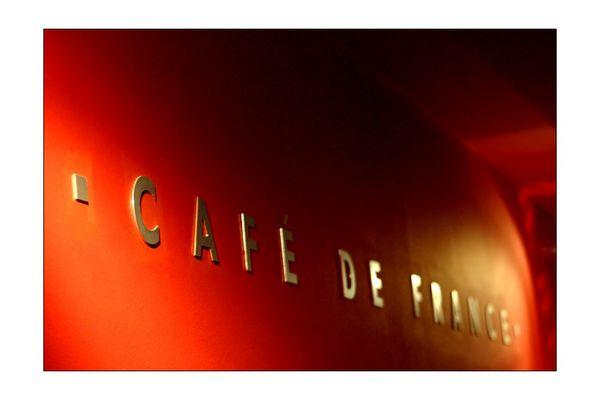 · CAFÉ DE FRANCE ·