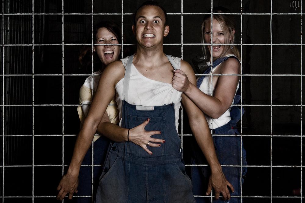 cagegirls
