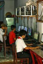 Cai Be, Internetcafe